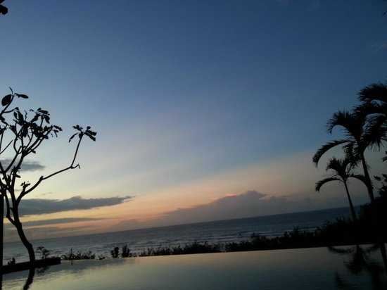 Samabe Bali Suites & Villas: Sun Rise