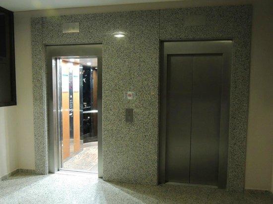 Best Triton: ascenseur