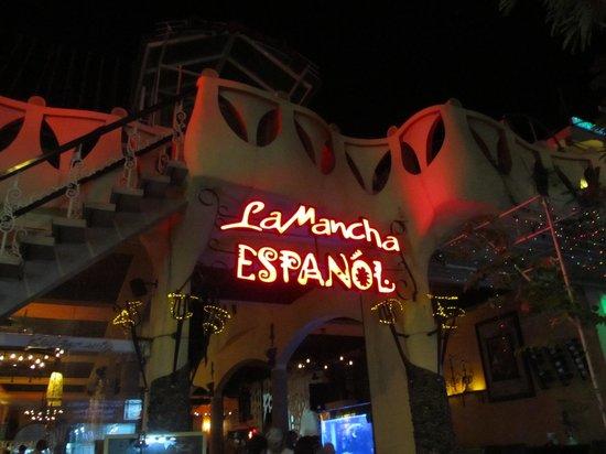 La Mancha Restaurant: La Mancha sign on the way in