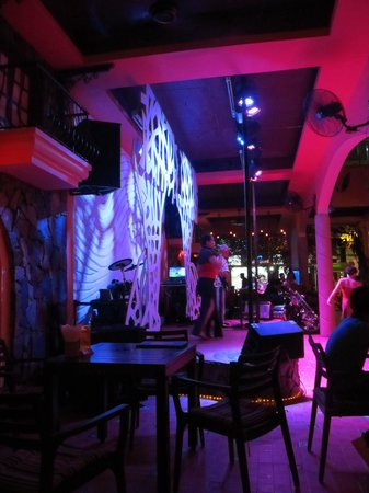 La Mancha Restaurant: Band on the stage