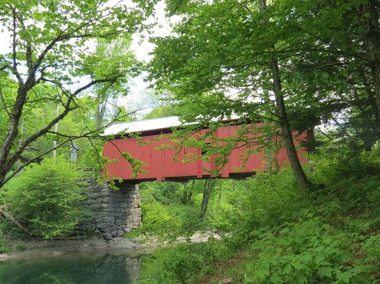 Slaughterhouse Covered Bridge: Lovely Bridge