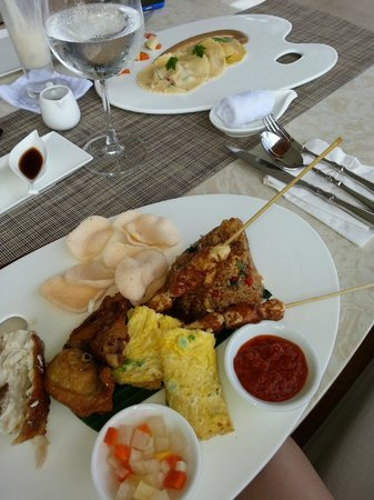 Samabe Bali Suites & Villas: Food