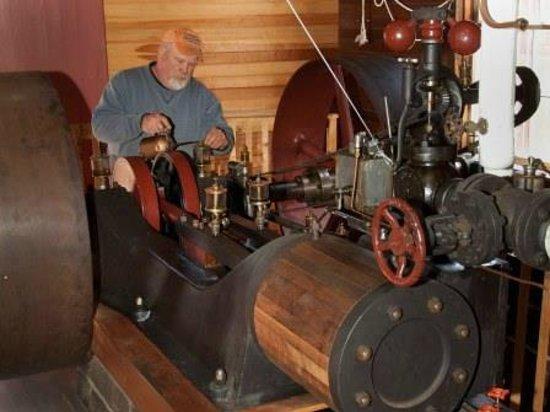 Meredith, نيويورك: Steam engine
