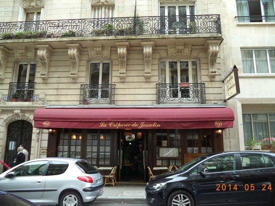 La Creperie de Josselin : Restaurant Facade