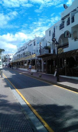 Hotel Cala Ferrera : the empty town