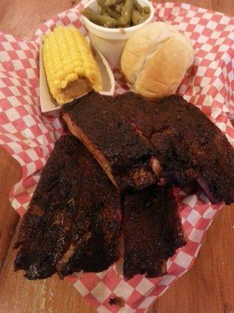 Slap Ya Momma's Barbeque Smoke House: My half rack