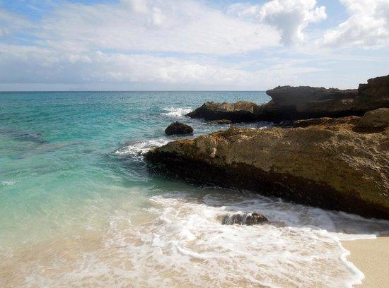 Dany's Beach Bar: Beautiful beach