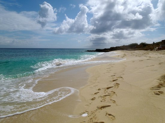 Dany's Beach Bar: White sand