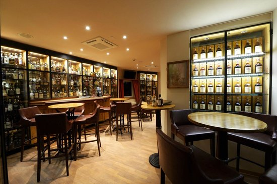 Restaurant Waldhaus am See : Whisky Bar / Cigarren Lounge