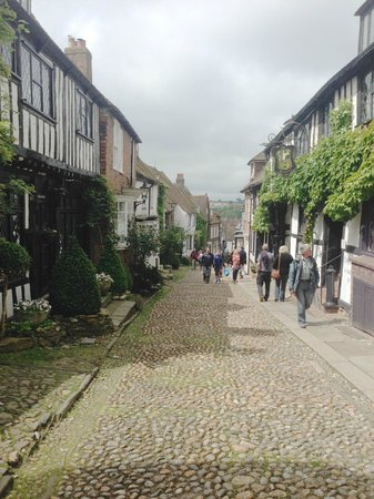 The George in Rye: This is Mermaid Street - just round the corner - not quite the view from the room -but very clos