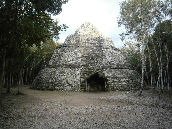 Ruines de Cobá : L'osservatorio astronomico!!!