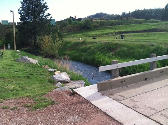 Black Hills Trailside Park Resort: creek