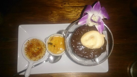 Luna Lounge Thong Nai Pan Noi: Trio dessert- creme brûlée (actually torched at the table), chocolate mousse, and coconut pannac