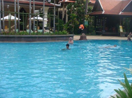 Borei Angkor Resort & Spa: swimming pool