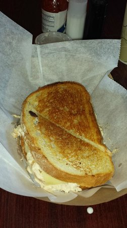 Grilled Cheese and Co: crabby melt