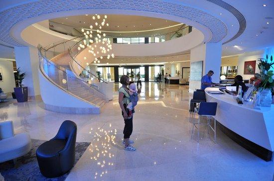 JA Ocean View Hotel: Hotel reception
