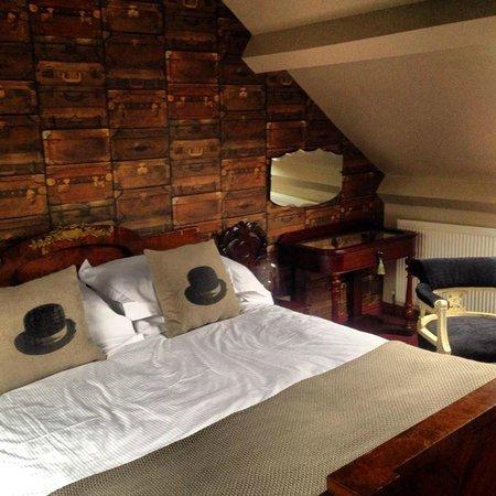 Rum Doodle Bed & Breakfast: Very comfy bed!!