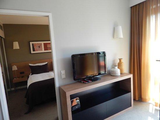 Adina Apartment Hotel Hamburg Michel: Living area
