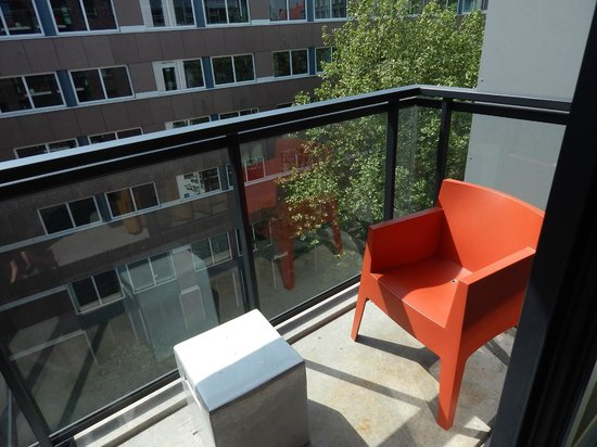 balcony picture of adina apartment hotel hamburg michel hamburg tripadvisor. Black Bedroom Furniture Sets. Home Design Ideas