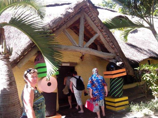 Sugar Beach Golf & Spa Resort: Entrée du mini club