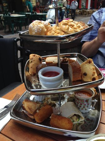 Kop van Jut: high tea arrangement - looks nicer than it tastes