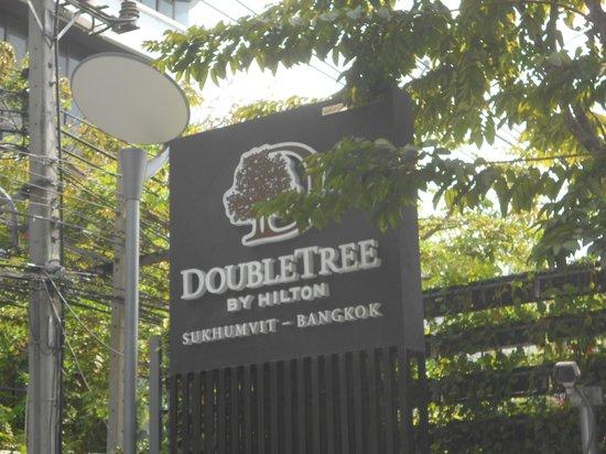 DoubleTree by Hilton Sukhumvit Bangkok : Doubletree Sign