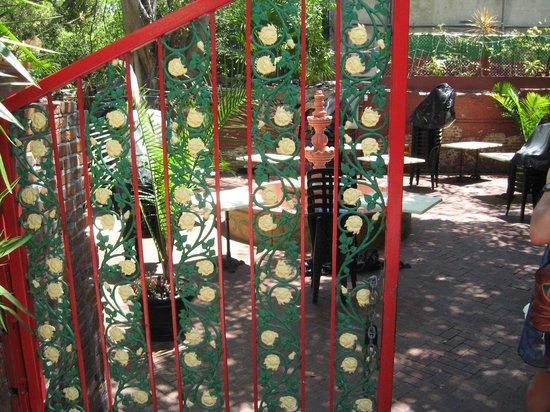 Memorial Sculpture Garden: Artistic unique gate