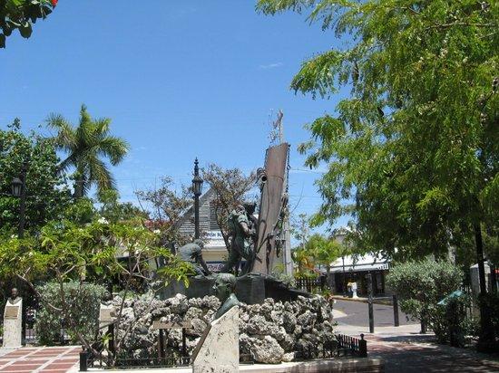 Memorial Sculpture Garden: Local sculpture