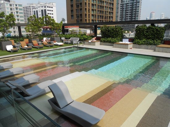 DoubleTree by Hilton Sukhumvit Bangkok : Doubletree Pool