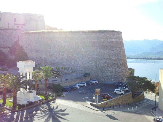 Belvedere Hotel : La Citadelle et la baie sous nos yeux dès le réveil...