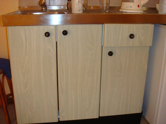 Club Caleta Dorada: Un-openable kitchen units