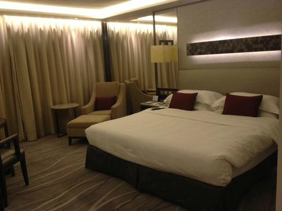 InterContinental Grand Stanford: The oh so comfy bed