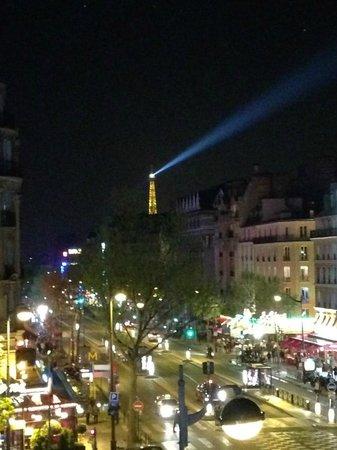 Raspail Montparnasse Hotel: a torre, vista do quarto
