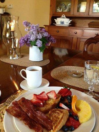 American Loyalist Peter Secord Inn c.1782 : Delicious breakfast
