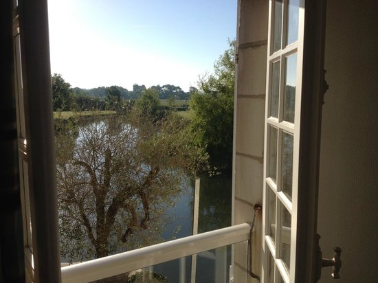 Le Moulin de Chalons : Morning view from room