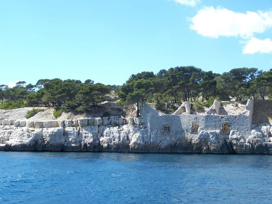 Les Roches Blanches: Boat trip of the Calanques.