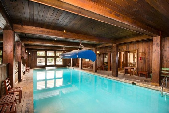 SaddleRidge Villas at Beaver Creek Resort: Pool