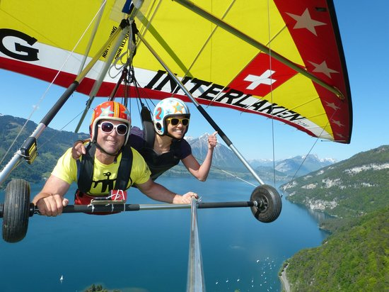 ‪Hang Gliding Interlaken‬