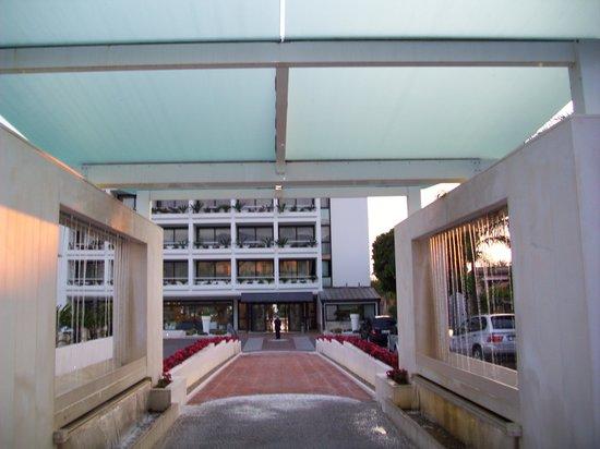 Mec Paestum Hotel: L'ingresso esterno