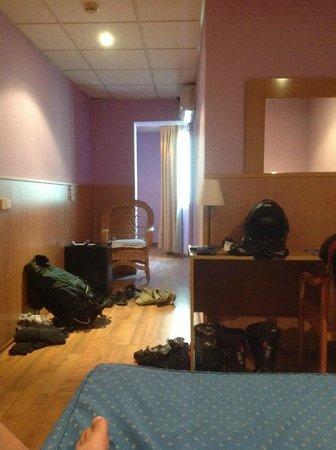 Hotel Rambla: View to the Loo