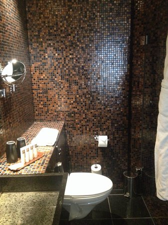 Swissotel Tallinn: Funky tiling