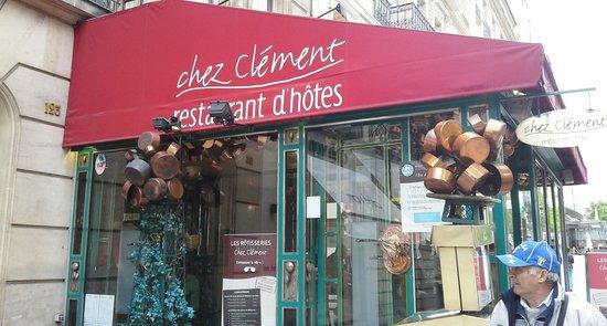 Chez Clement: Insegna ristorante