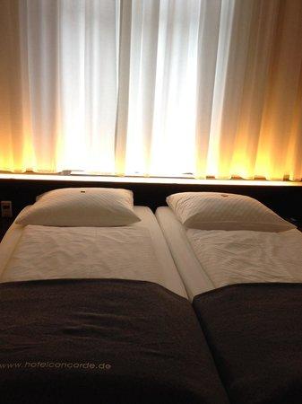 Hotel Concorde: Bed