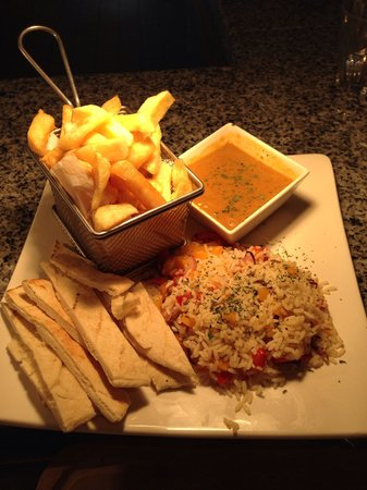 Fish & Grill: Veg option special rice cooked with onions & peppers served with curry chips and pitta