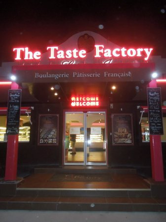 The Taste Factory: About to close - don't expect good service now, or good desserts...