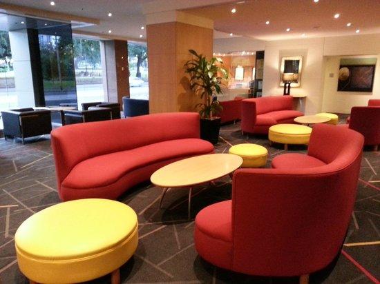 Radisson on Flagstaff Gardens: Hotel Lobby