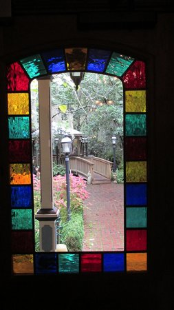 The Magnolia Plantation Bed and Breakfast Inn : Just step outside into beauty!