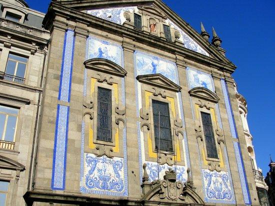 Capela das Almas : Lindos azulejos