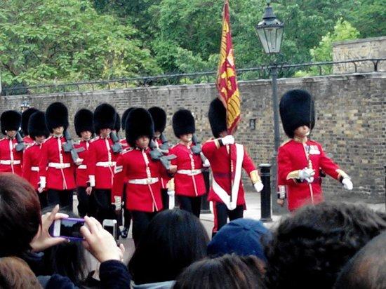 SANDEMANs NEW Europe - London: cambio de la Guardia Real