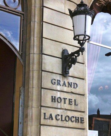 Grand Hôtel La Cloche Dijon - MGallery Collection: Entrance.